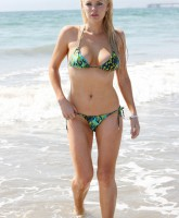 FP_3382607_Monk_Sophie_Bikini_EXCL_CAD_080709