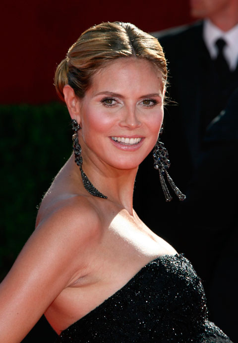 A very pregnant Heidi Klum on the 2009 61st Annual Primetime Emmy Awards red carpet