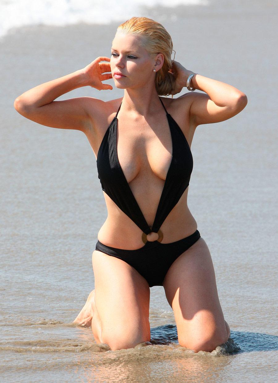 dorthe skappel nude big boobs sex