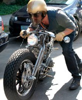 Brad_Pitt_motorcyle_front