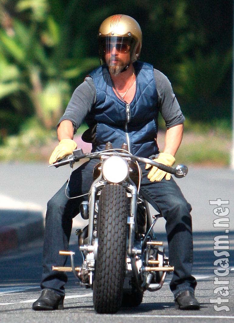 Pics photos brad pitt on motorcycle - Brad Pitt Looking Cool Just Before His Motorcycle Crash