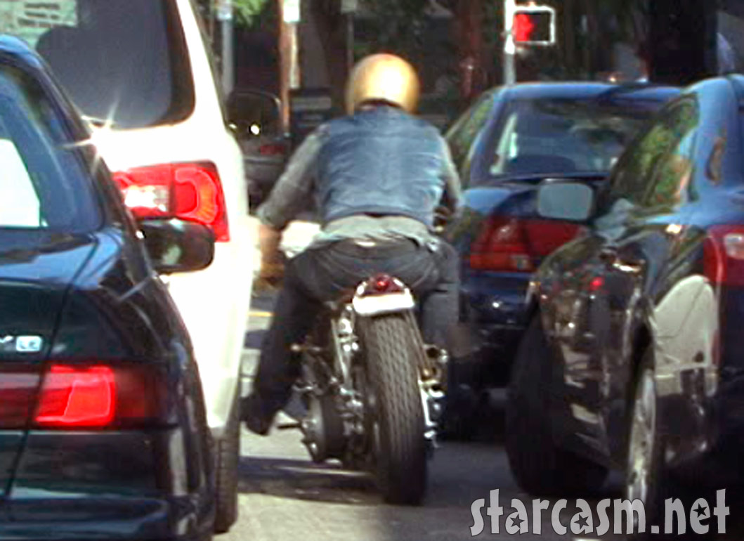Pics photos brad pitt on motorcycle - Brad Pitt Motorcycle Accident Picture 5 Of 10