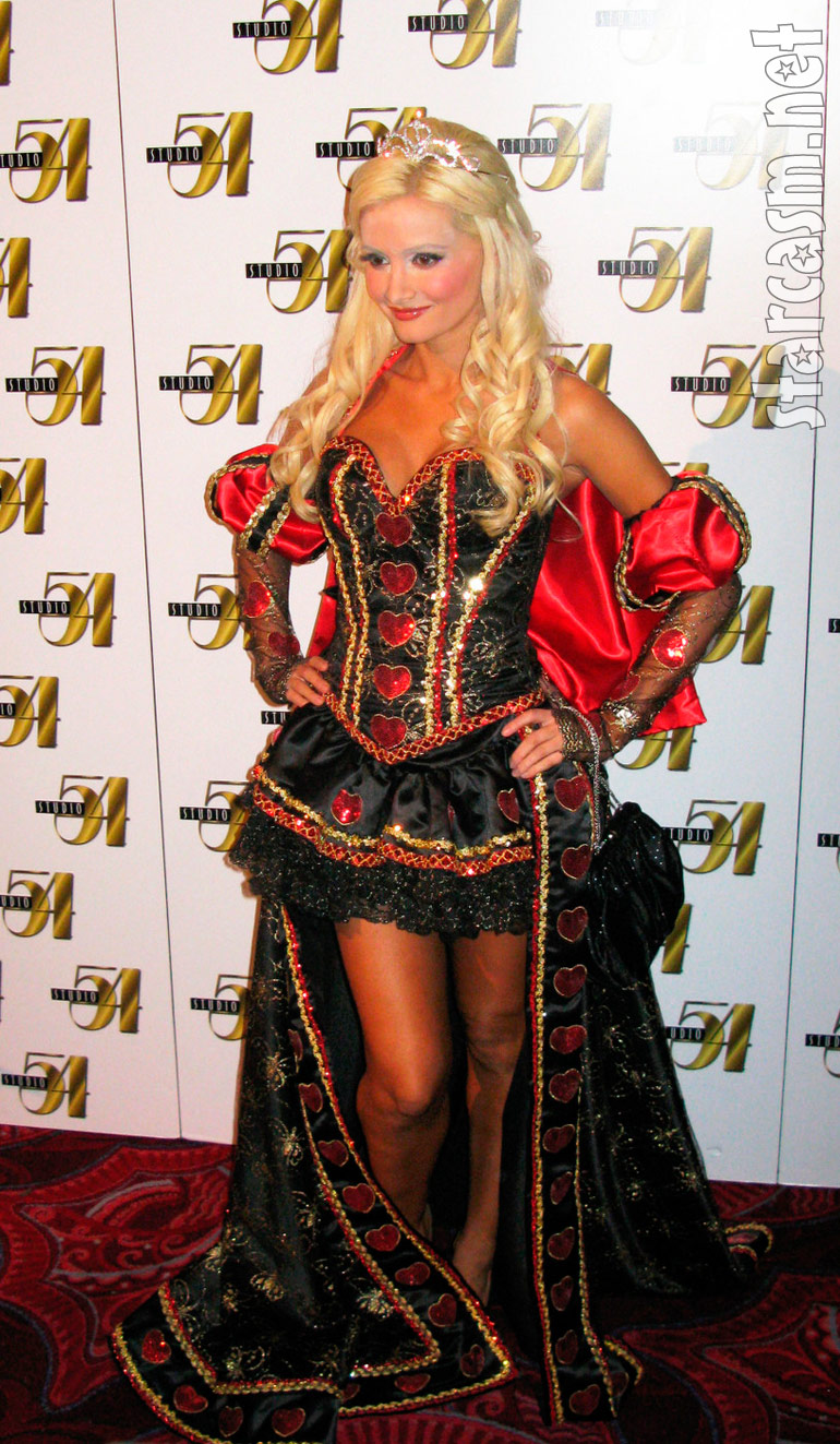 Holly Madison as Queen of Hearts