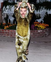 Kingston Rossdale dressed as a dinosaur for Halloween