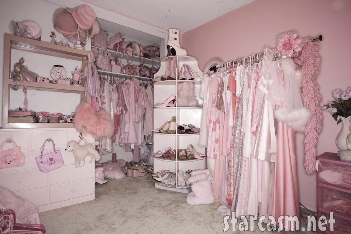 Lady Bedroom Pink Lady Kitten Kay Sera Photos