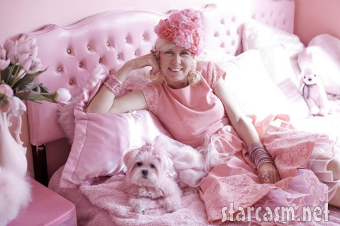 Kitten Kay-Sera and her pooch are pretty in pink