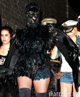 Heidi Klum in a Crow costume (thumbnail)
