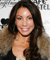 Danielle Staub sues over weave pulling