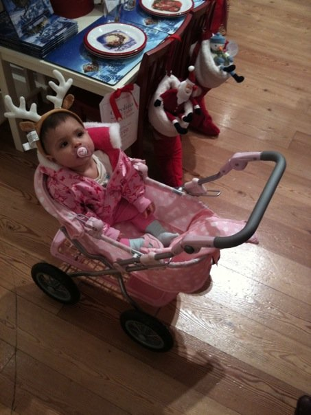 Sophia daughter of Farrah Abraham on Teen Mom at Christmas in a stroller