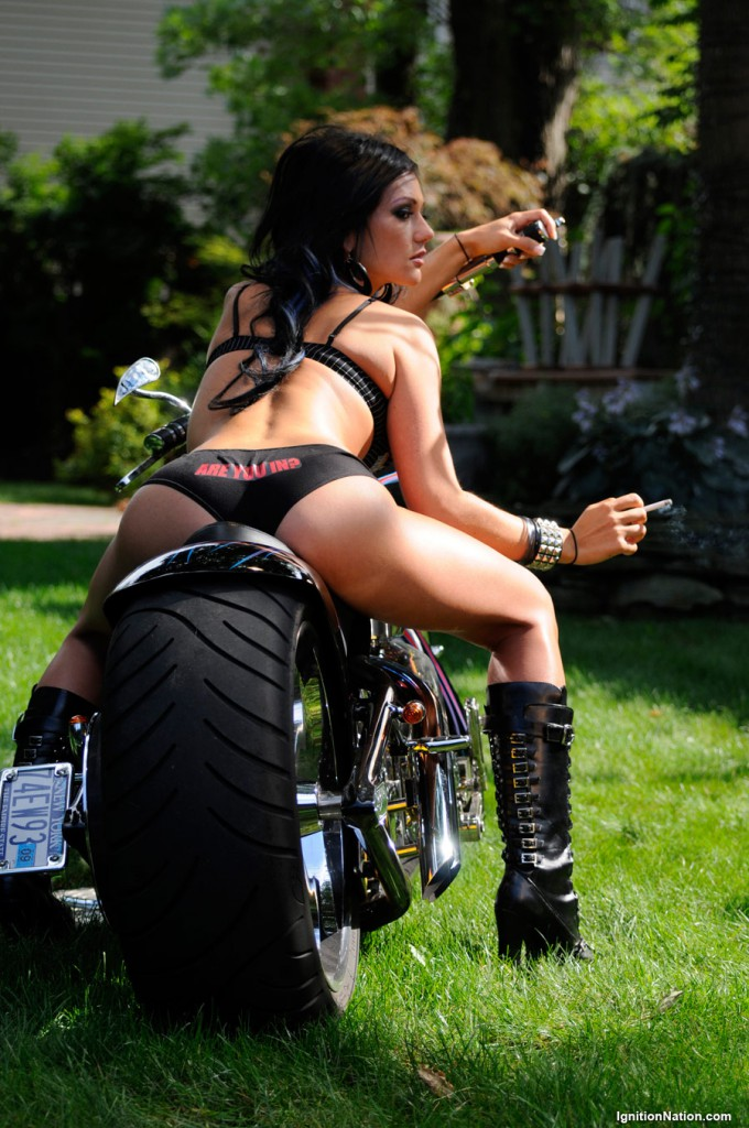 JWoww booty