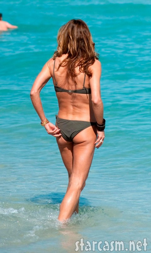 Kelly Bensimon deals with a bikini butt wedgie