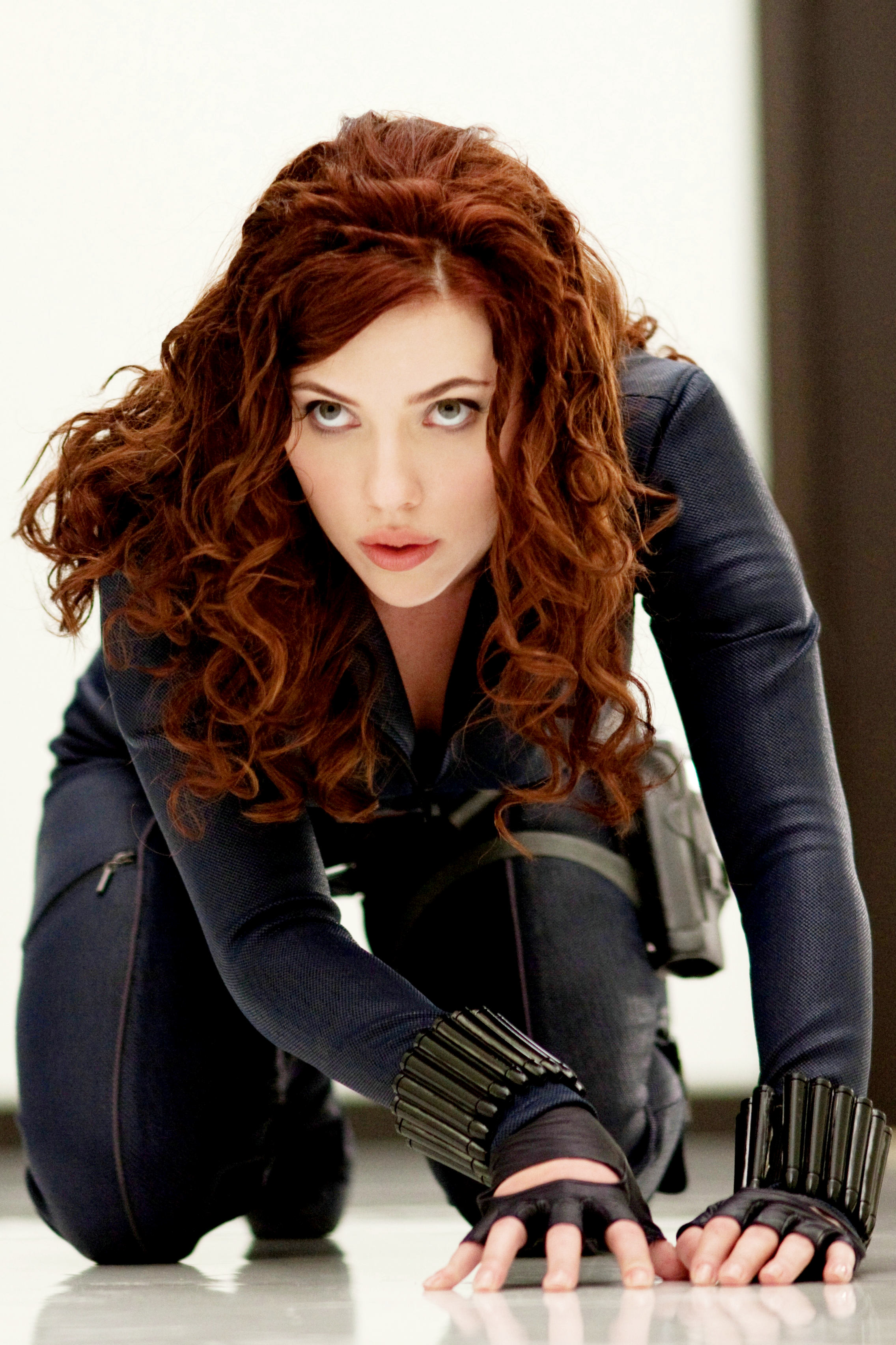 PHOTOS Scarlett Johansson Black Widow movie posters in a ...