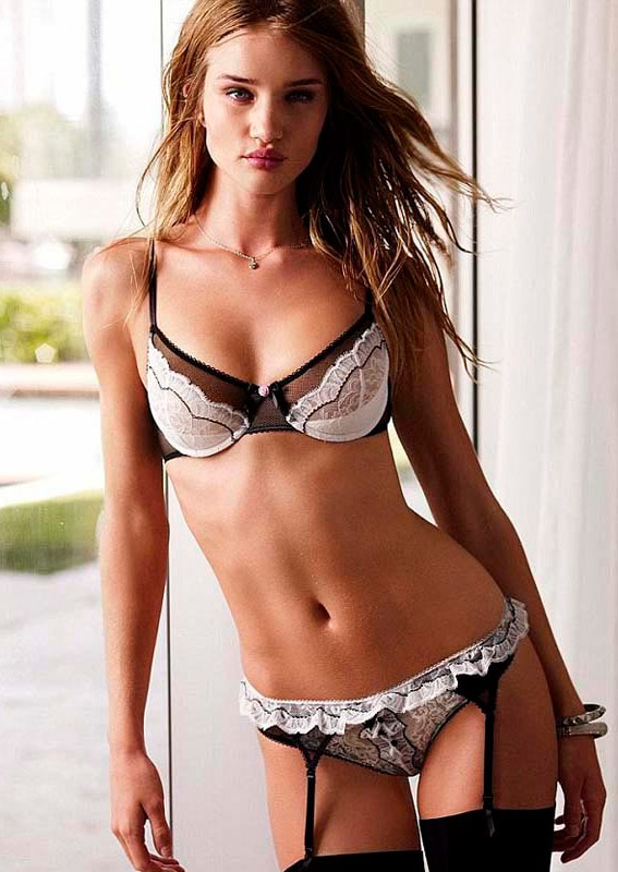 Rosie Huntington-Whiteley Victoria's Secret Valentine's lingerie