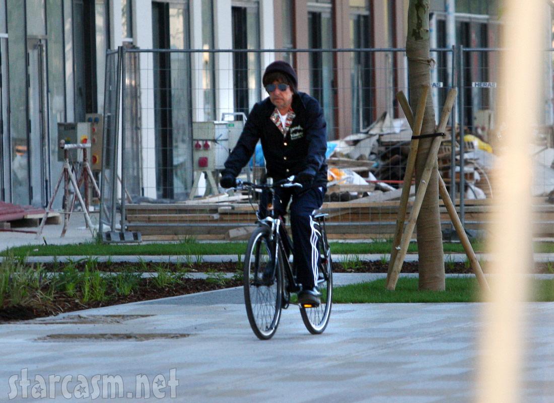 Bob Dylan bicycling