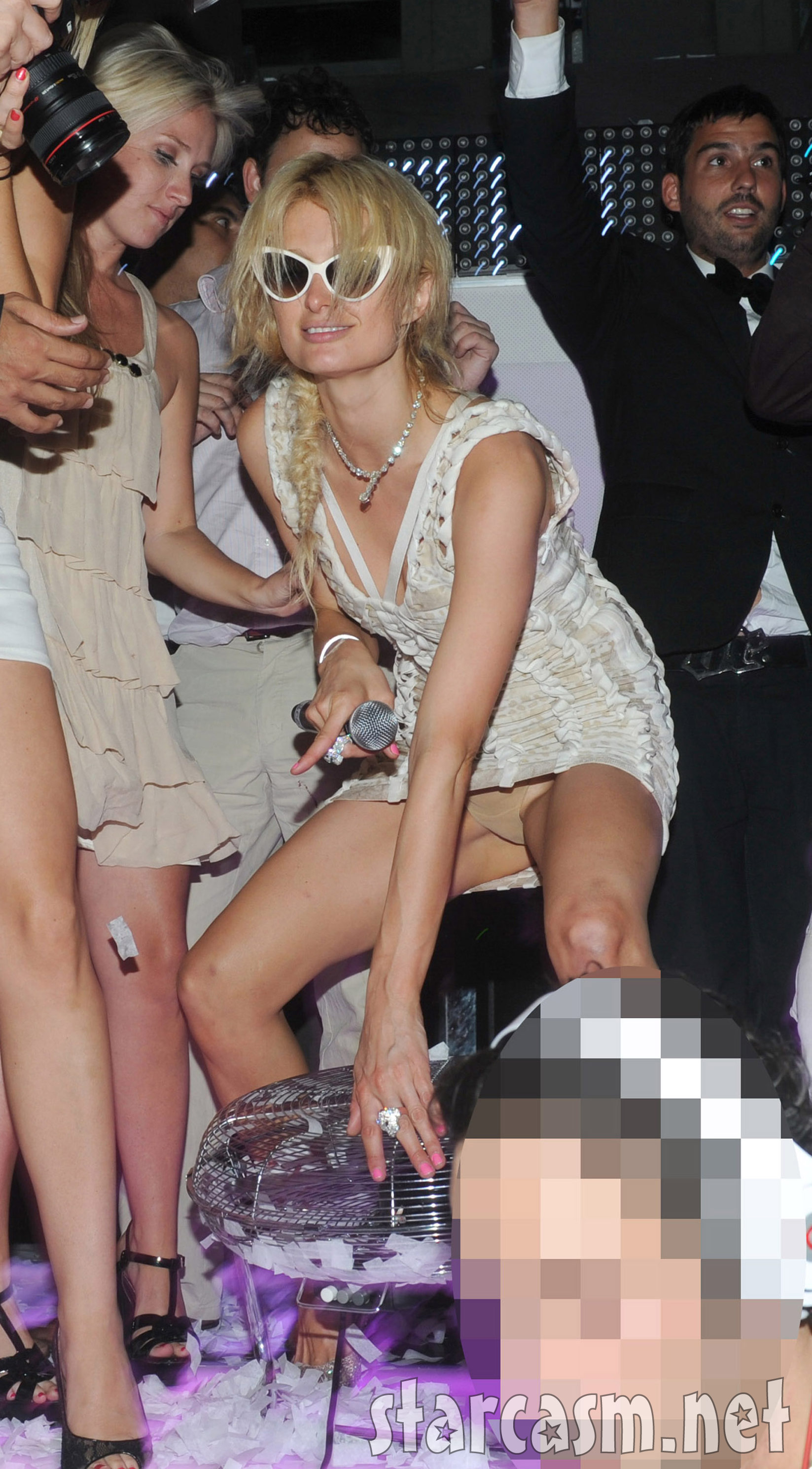 Paris Hilton drunk and flashing her panties at the VIP Room in Saint