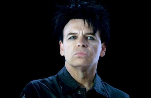 Gary Numan in a 2010 Diehard battery commercial