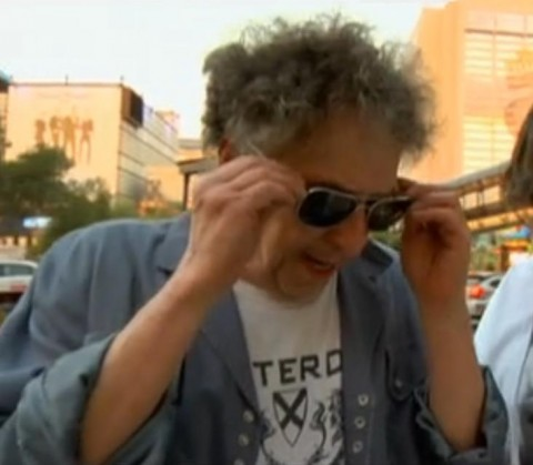 Bob Dylan appears on Pawn Stars