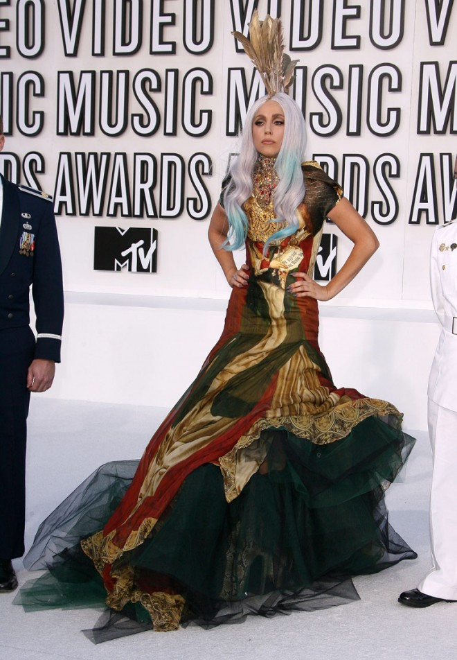 Lady Gaga at the 2010 VMAs 3