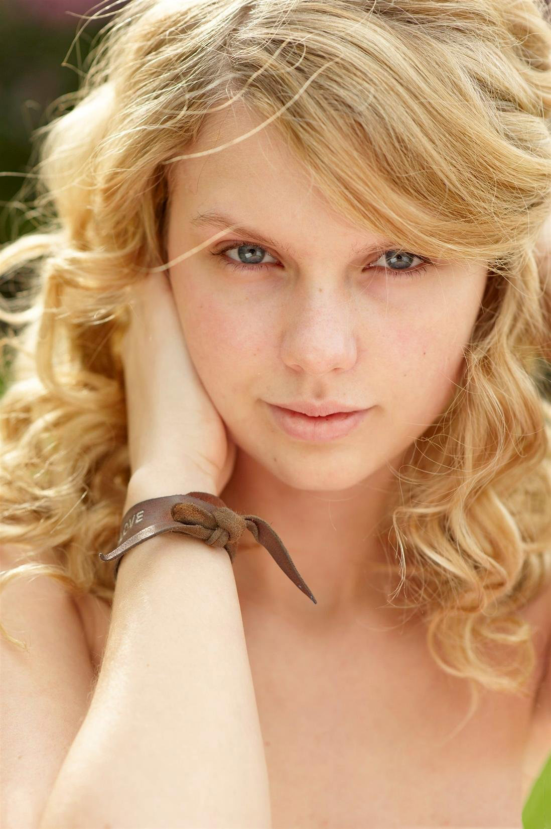PHOTOS Taylor Swift Without Makeup From 2008 People Shoot