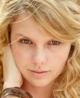 Taylor Swift without makeup small