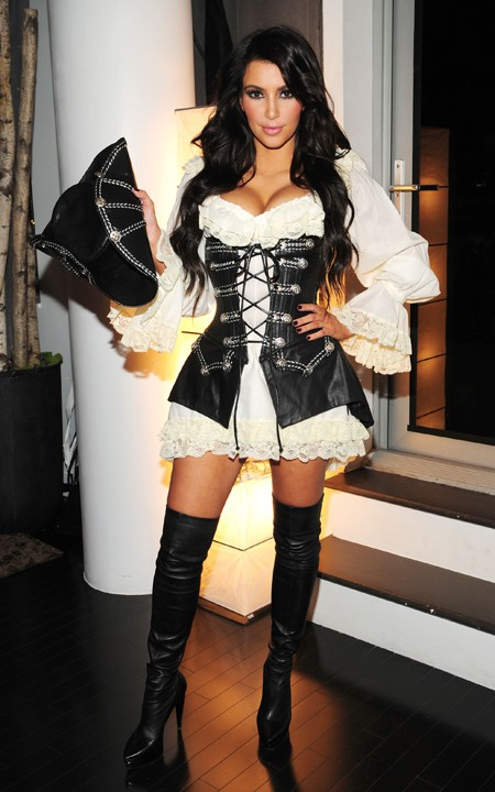 Kim Kardashian models a ridiculously sexy pirate Halloween costume