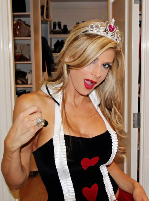 Alexis Bellino Queen of Hearts Halloween costume