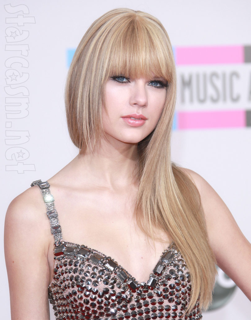Taylor Swift announced today that she will tour the world in 2011 in ...