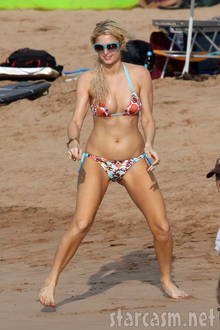 Paris Hilton is almost nude on the beaches of Maui