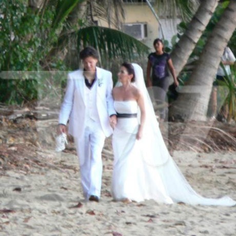 Shania Twain wedding picture from Rincon Puerto Rico January 1 2011