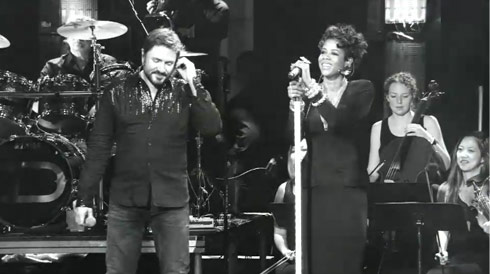 Simon LeBon sings with Kelis