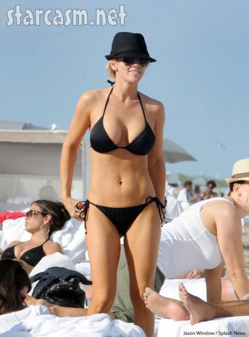 paul krepelka and jenny mccarthy. hot Jenny McCarthy bikini pic