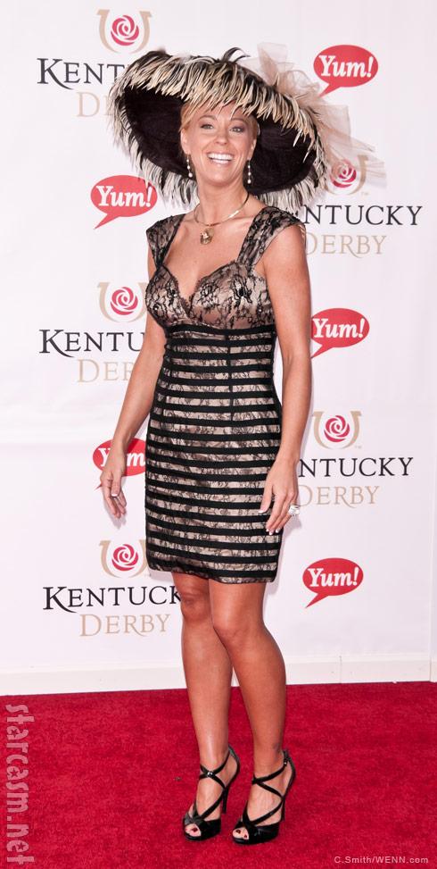 Kate Gosselin arrives at the 2011 Kentucky derby in a huge black feathered hat