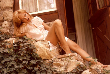 Yvette Vickers found mummified in Beverly Hills home