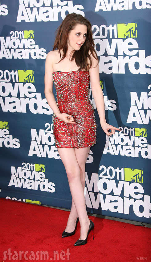 Twilight's Kristen Stewart is playful at the 2011 MTV Movie Awards