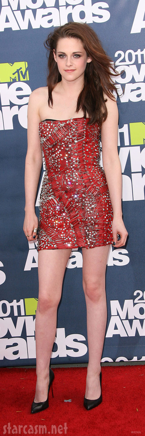 Kristen Stewart on the red carpet at the 2011 MTV Movie Awards