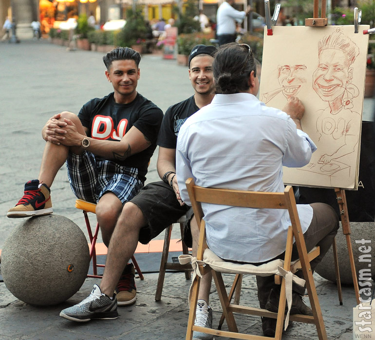 Jersey Shore's Pauly D and Vinny Guadagnino have caricatures drawn in Florence