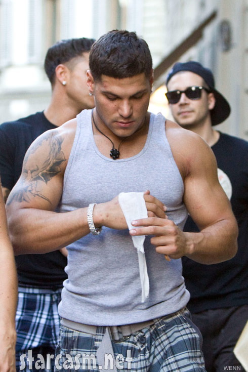 Jersey Shore's Ronnie Ortiz-Magro injures his hand in a fight with The Situation