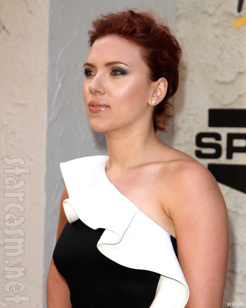 Scarlett Johansson reveals short red har at Spike TV's Guys Choice Awards 2011