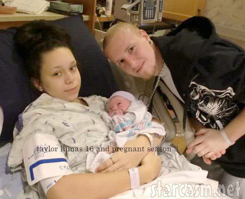 Taylor Lumas and baby daddy Nathan Bridewell just after their daughter Aubri was born
