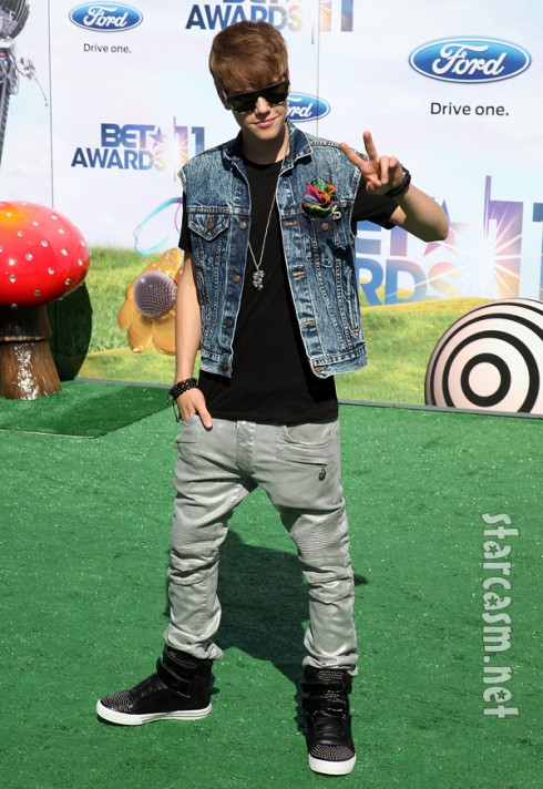 2011 BET awards Justin Bieber denim
