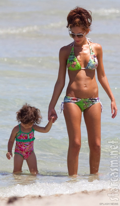 Teen Mom Farrah Abraham in a bikini with her daughter Sophia on the beaches of Miami