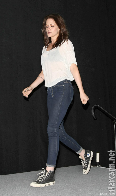 Kristen Stewart in jeans and Chuck Taylors at San Diego Comic-Con 2011