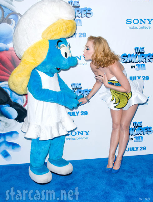Katy Perry kisses Smurfette at the World Premiere of The Smurfs July 24 2011