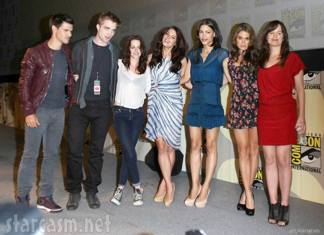 Taylor Lautner, Robert Pattinson, Kristen Stewart, Ashley Greene, Elizabeth Reaser, Nikki Reed and Julia Jones