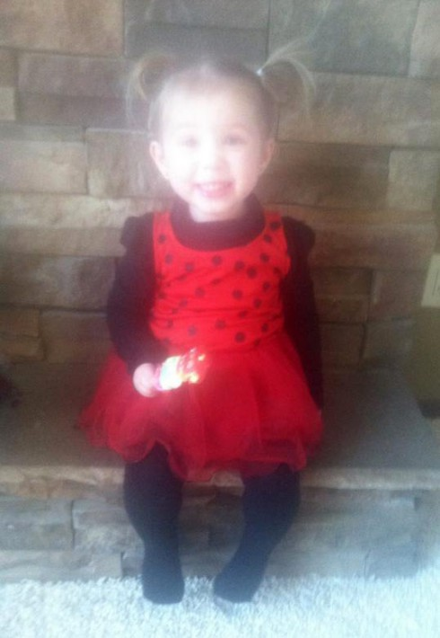 Chelsea Houska's daughter Aubree Skye in a ladybug Halloween costume