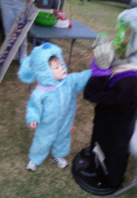 Teen Mom 2 JEnelle Evans&#039; son Jace in a Blue&#039;s Clues Halloween costume 2011
