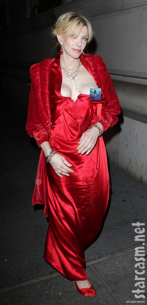Click for the unedited Courtney Love nip slip wardrobe malfunction photo