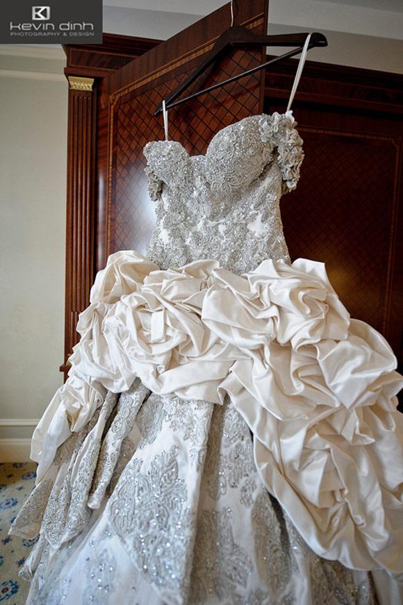 PHOTOS Kim Zolciaku0026#39;s $58000 Baracci Wedding Dress