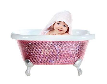Kelly Rowland gave Beyonce a cyrstal baby bath tub