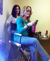 Jenelle Evans has her hair styled by Jana Culbreth